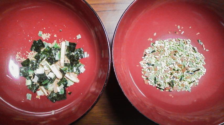 松茸の味ふりかけとお吸いものの顆粒