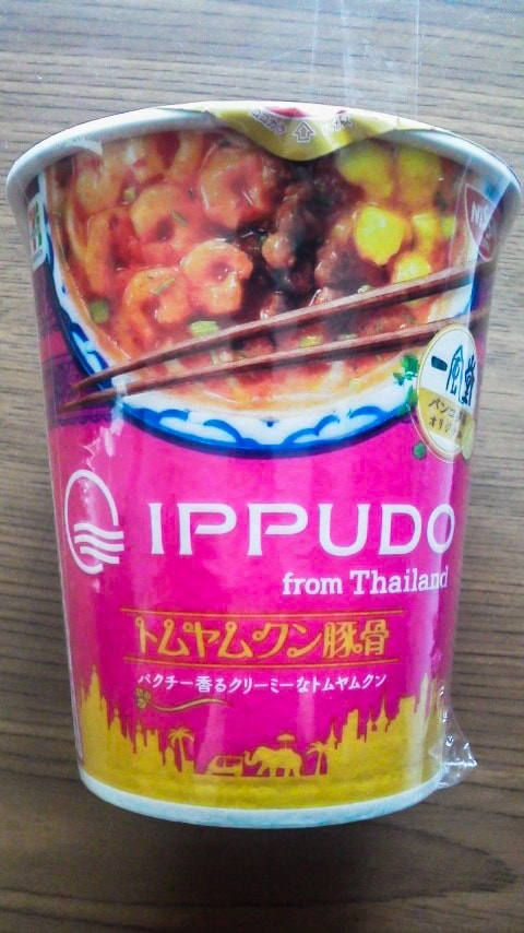 「IPPUDO タイ トムヤムクン豚骨」のパッケージ