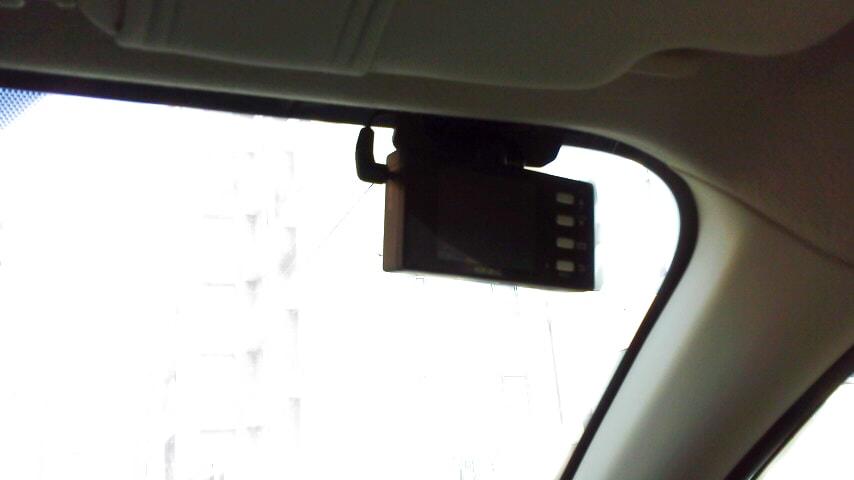 アイサイト搭載車のドラレコ取付位置
