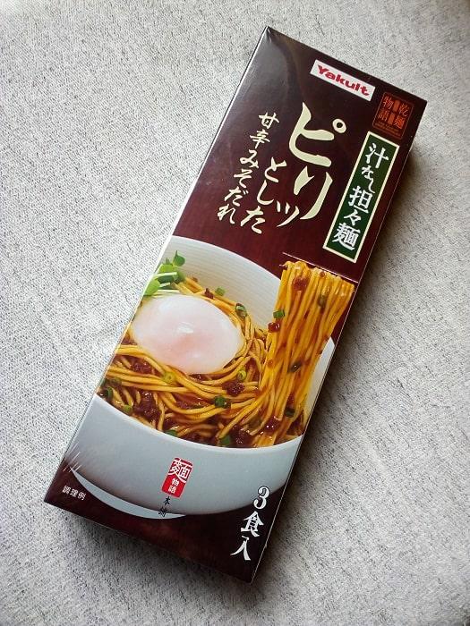 「乾麺物語 汁なし坦々麺」のパッケージ