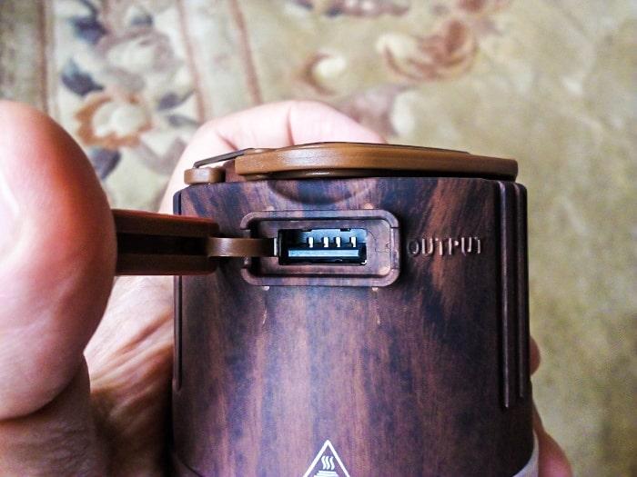 UJack「充電式LEDランタン」の出力端子