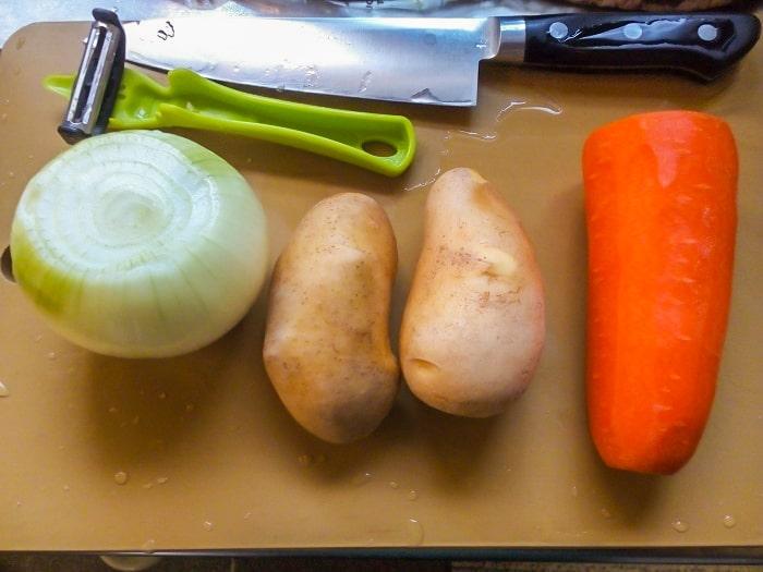 皮をむいた野菜