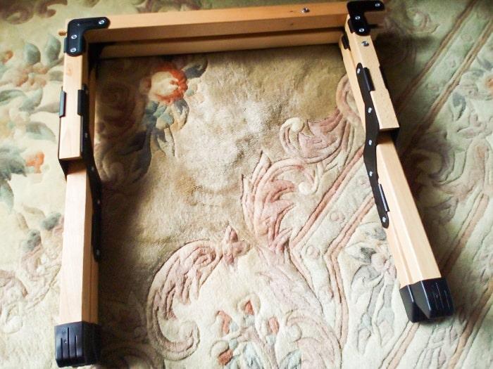 「ウッドトップロールテーブル」の脚部分展開2