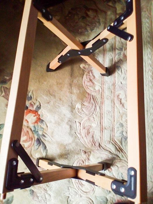 「ウッドトップロールテーブル」の脚部分