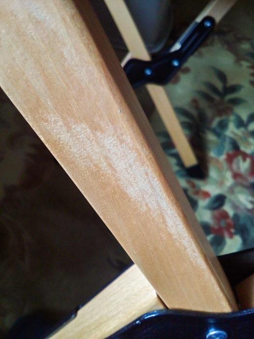 「ウッドトップロールテーブル」塗装ムラ