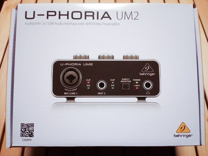 「U-PHORIA UM2」のパッケージ