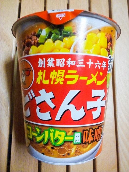 「札幌ラーメンどさん子監修 コーンバター風味噌ラーメン」のパッケージ